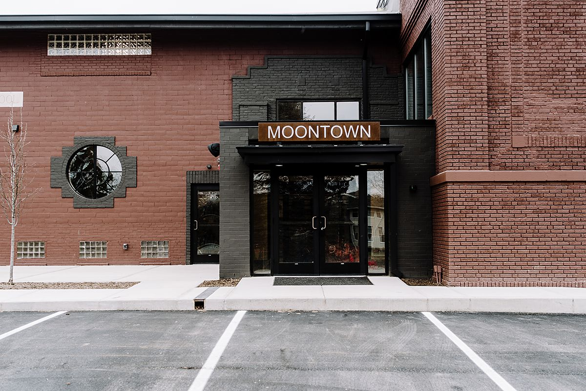 MOONTOWN8